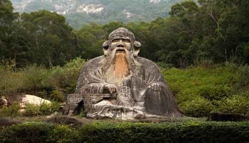 Statuia lui Lao Tzu